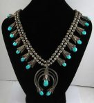 FRANK YAZZIE (NAVAJO) SQUASH BLOSSOM NECKLACE/Auctiondaily