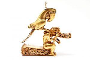 Pre-Columbian Gold Tairona Tumbaga Figural Finial/Auctiondaily