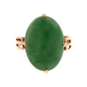 A Ladies Jade Ring in 14K Yellow Gold