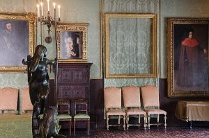 Empty frames at the Isabella Stewart Gardner Museum. Photo by the Federal Bureau of Investigation via Wikimedia Commons.