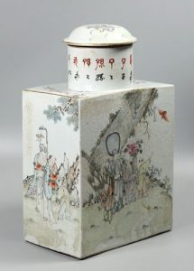 Chinese tea caddy, possibly 19th c.