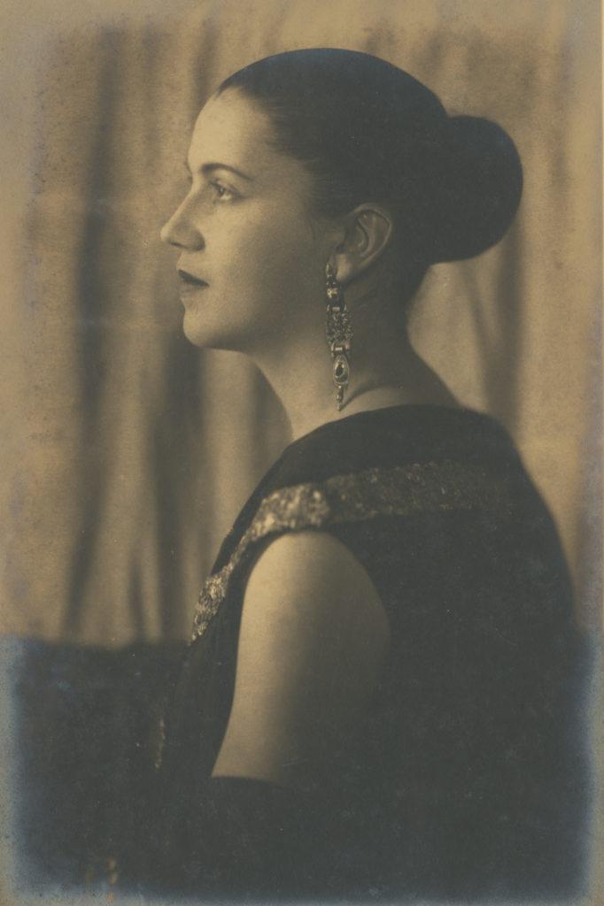 Portrait of Tarsila do Amaral in profile, mid-1920s. Pedro Corrêa do Lago Collection, São Paulo. Image from Artsy.