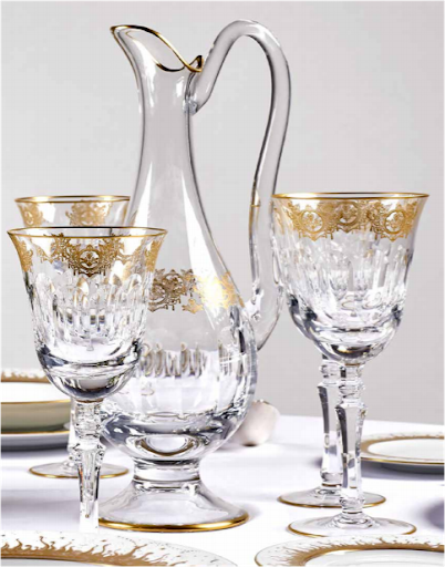 Lot 560. Four water glasses, four wine glasses, and a water jug. Image from Artcurial.