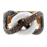 A Chocolate Diamond Link Ring in 18K Rose Gold