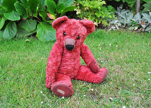 Lot #305: Red Chad Valley Teddy bear. Photo courtesy of Special Auction Services.