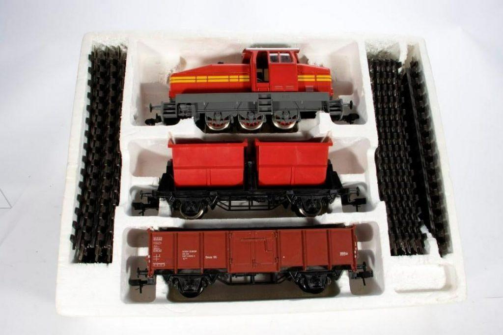 Marklin Gauge 1 5500 Set with Diesel Loco and 2 cars
