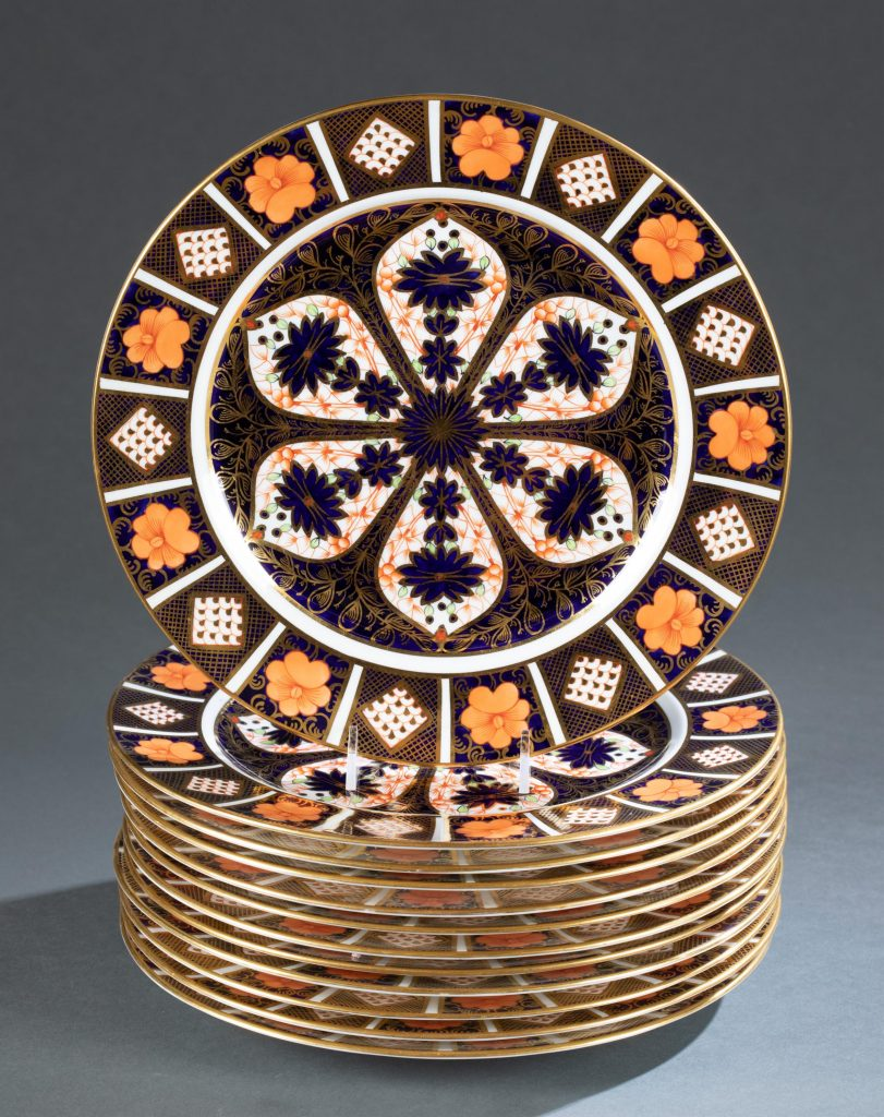 Set of 12 Royal Crown Derby (England) for Tiffany & Co., dinner plates, 1916. 'Old Imari' pattern 1128. Marked on back under the glaze. Each plate 10 3/8in diameter. Estimate: $1,000-$1,500