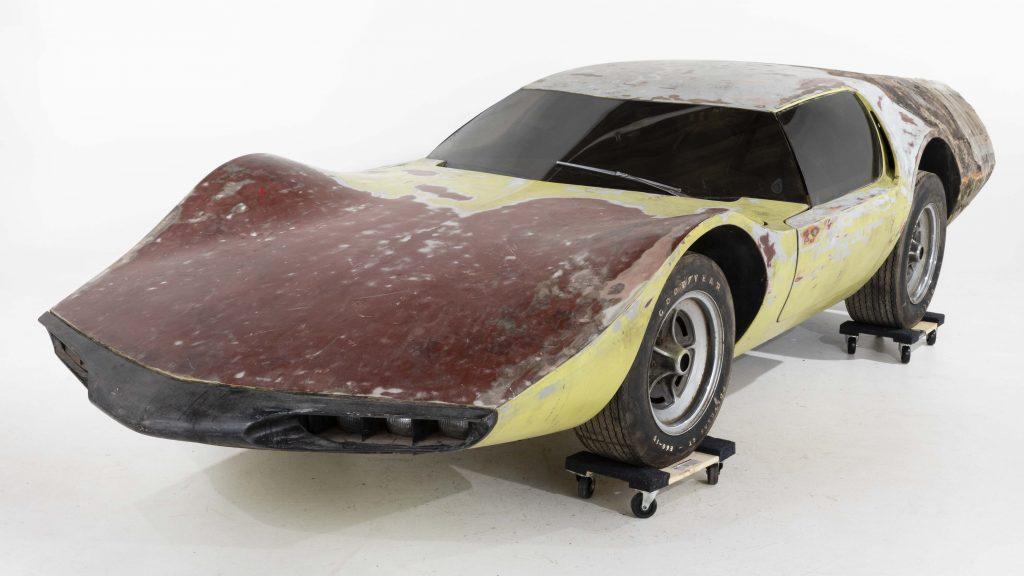 John Bucci (Italian/American, 1935-2019), 'La Trieste,' 1960s fiberglass concept car with Porsche 4-cylinder 1600cc super engine that hits top speed of 160mph. Measurements: 69in long x 15ft wide x 39in high. Estimate $8,000-$12,000