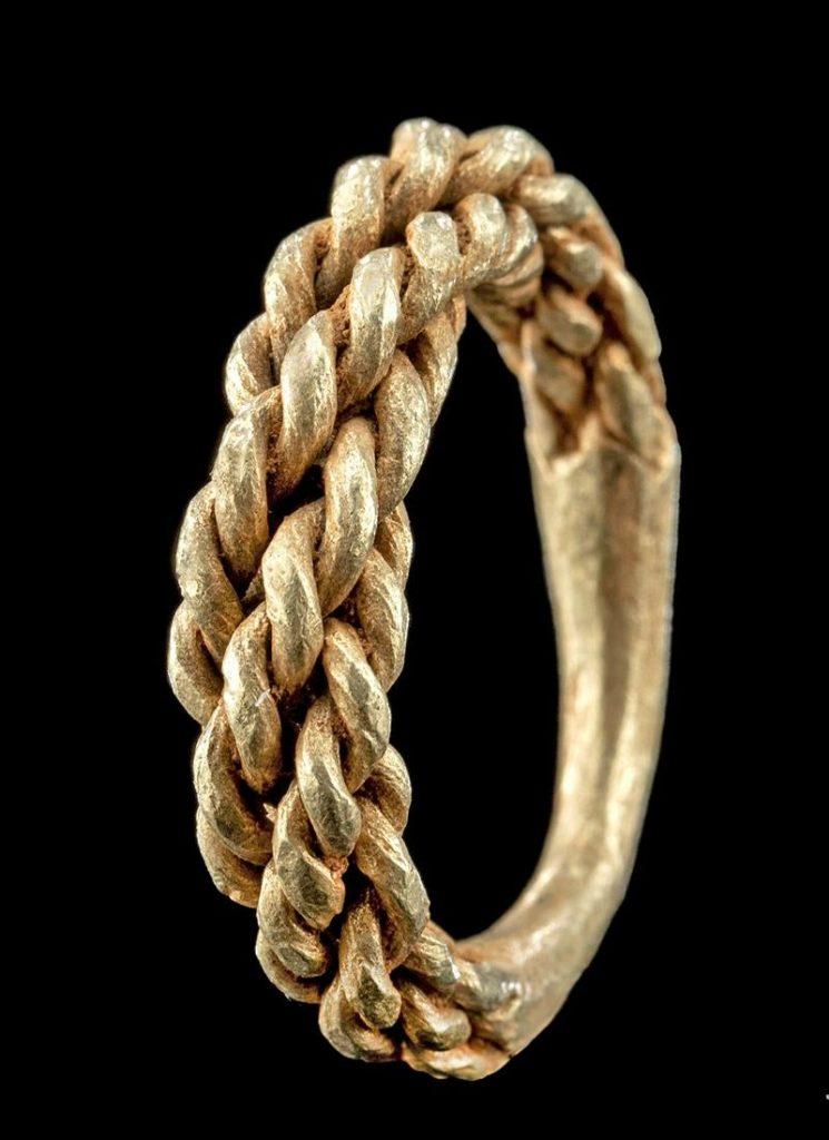 8th-10th century Viking/Norse wearable braided gold ring. Provenance: Estate of Eldert Bontekoe, Pegasi Numismatics, Ann Arbor, Michigan