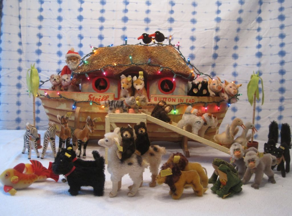 Can you find the tiny vintage Santa in this Christmas Noah's ark display? Photo from the author's collection.