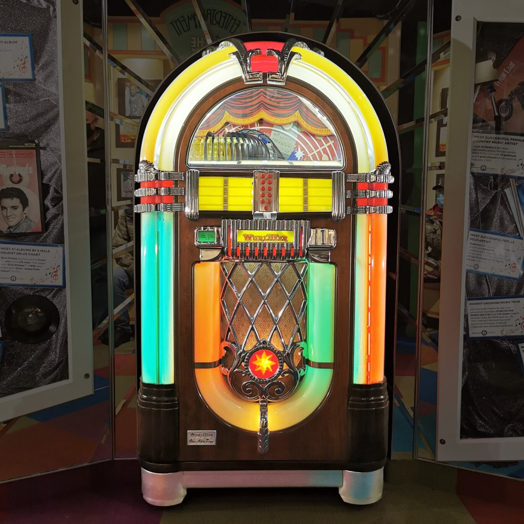A candidate for top lot of the auction is this Wurlitzer Model OMT 1015 jukebox, restored, which plays 45 rpm records (est. $4,000-$5,000).