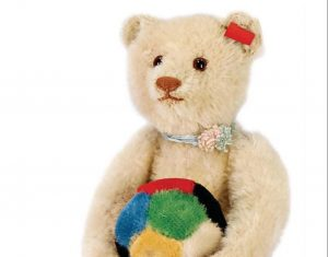 4 Trends in Fine Teddy Bear Collecting During Lockdown4