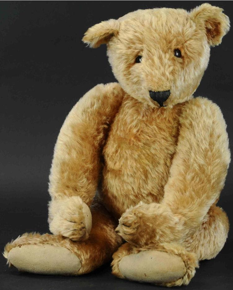 """Steiff """"cone-nosed"""" teddy bear circa 1905. Brought to auction in 2020 by Bertoia Auctions. Photo from LiveAuctioneers."""