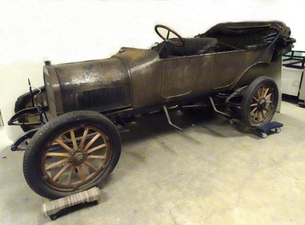 1914 Studebaker coupe, all original. Estimate $5,000-$10,000
