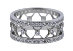 SJ Auctioneers Offers Designer Jewelry, Scarves and Giftware Auctions3