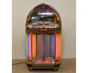Vintage Wurlitzer Juke Box Model 1100