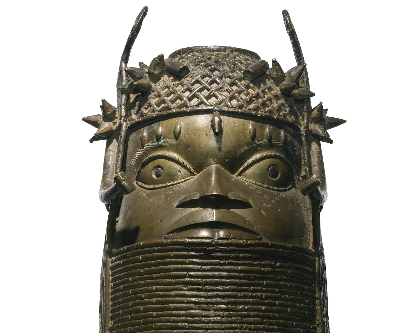 Bronze commemorative Oba head sculpture from Benin City, 19th century. Image © National Museums Scotland.