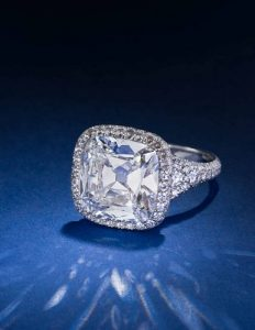 A SPECTACULAR DIAMOND RING, BY TAFFIN