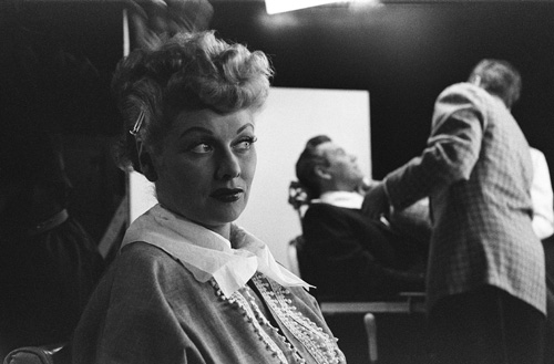 Lucille Ball and Desi Arnaz preparing on set for I Love Lucy. Photo from Ruth Orkin/mptv Images.
